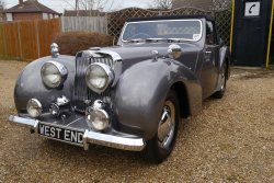 Triumph Roadster 1800 First reg 15.12 .1947.