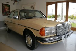 Mercedes Ser 123 230E 5 Speed Manual 1984
